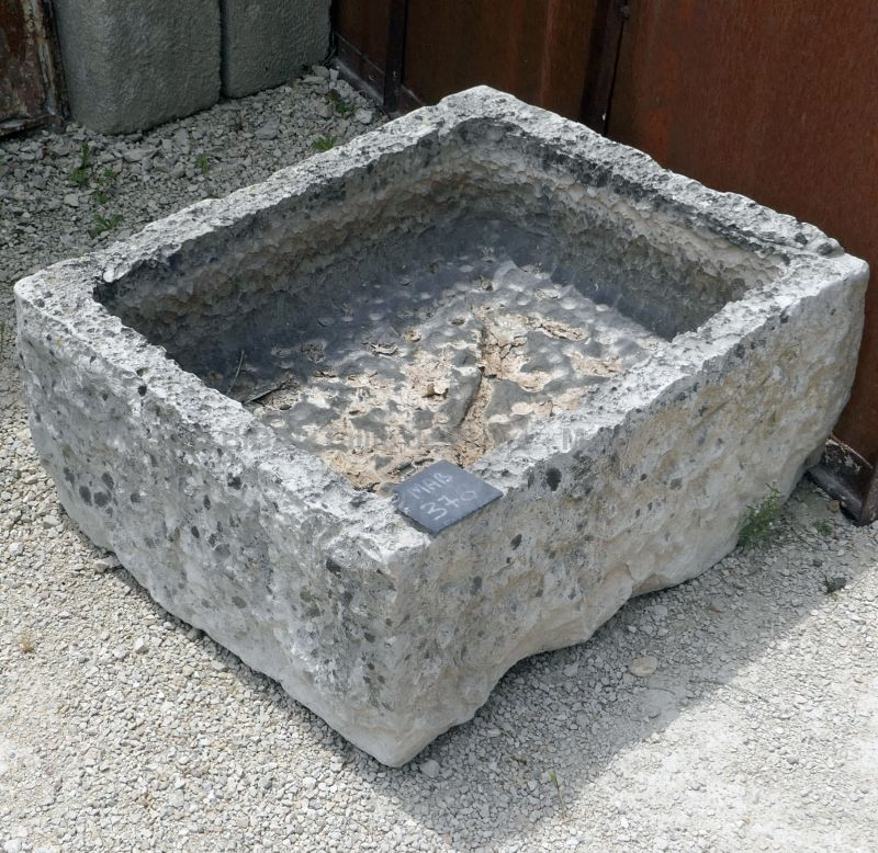 Charming shallow antique stone trough - Shallow stone trough ideal as a rusticly charming planter.