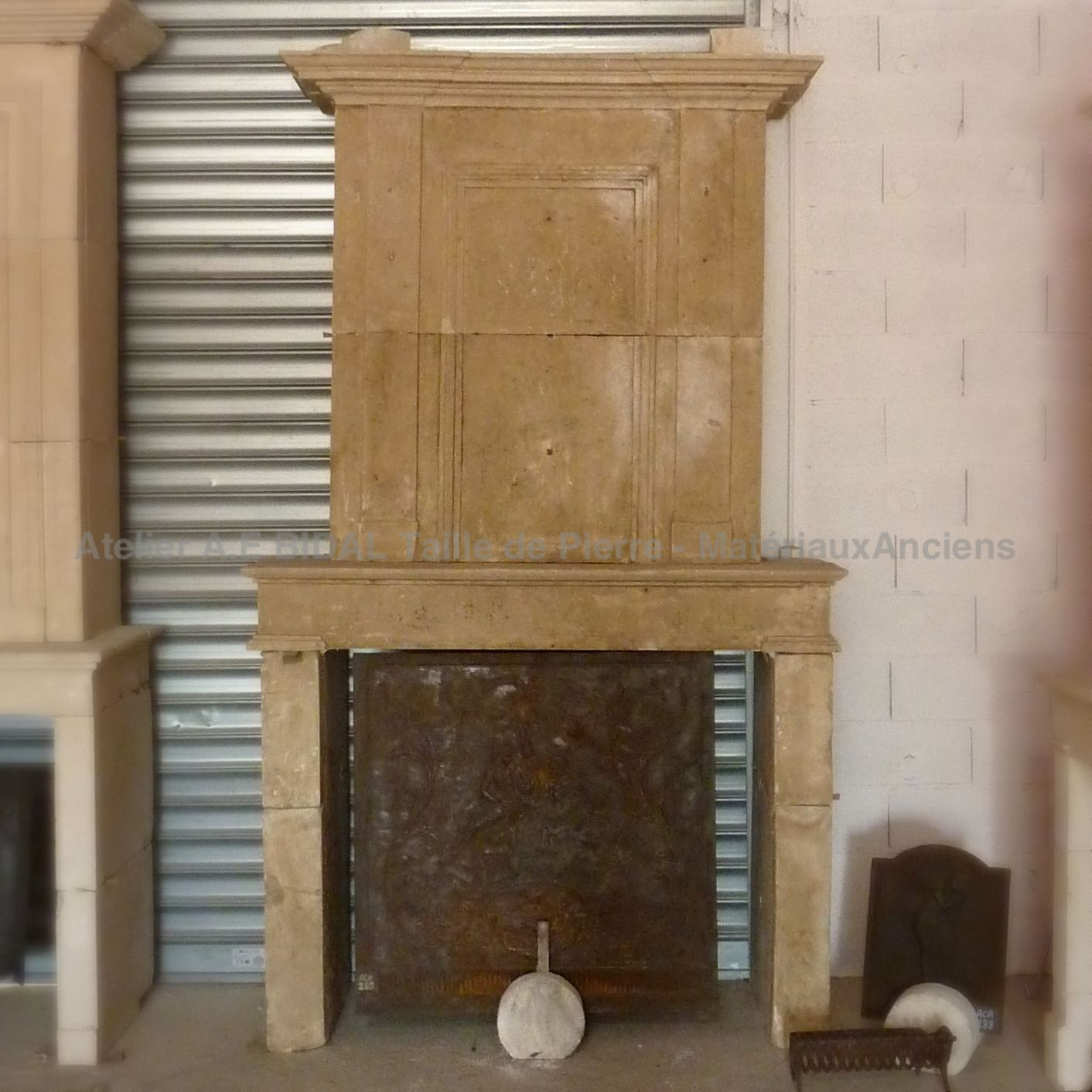 Antique fireplace in natural stone - a Louis XVI fireplace in stone of all beauty!