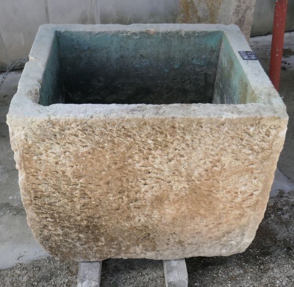 Sale of ancient stone troughs for your garden at Alain BIDAL in Provence.
