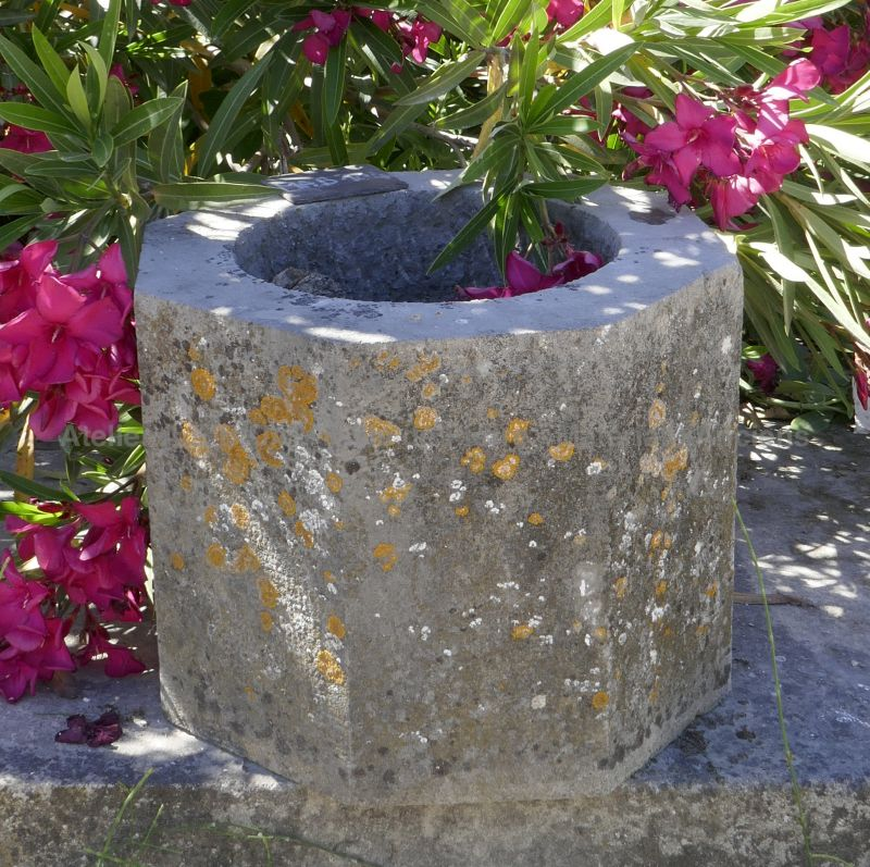 Stone planter for garden decoaration by Alain BIDAL Antique Materials in Provence.
