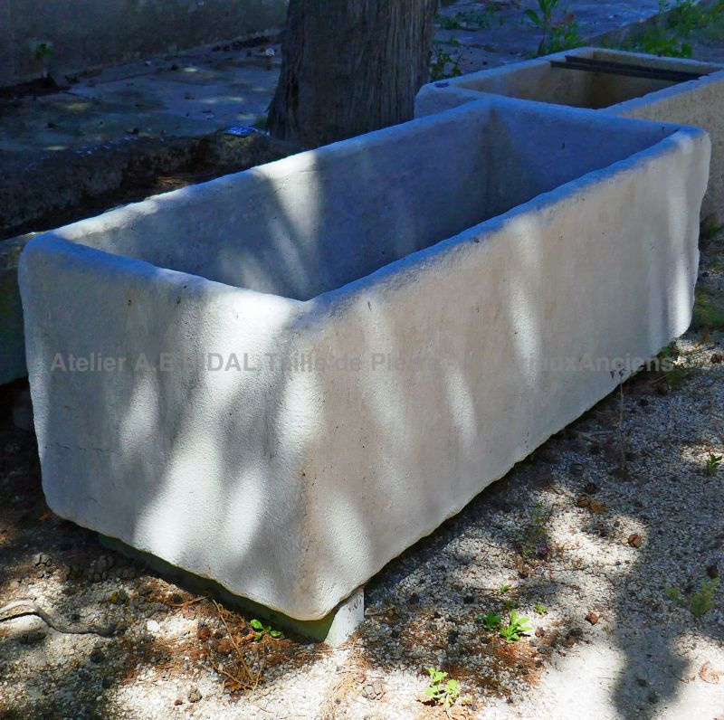 Large stone trough for a graeat outdoor installation : an ancient trough of high quality from Alain Bidal.