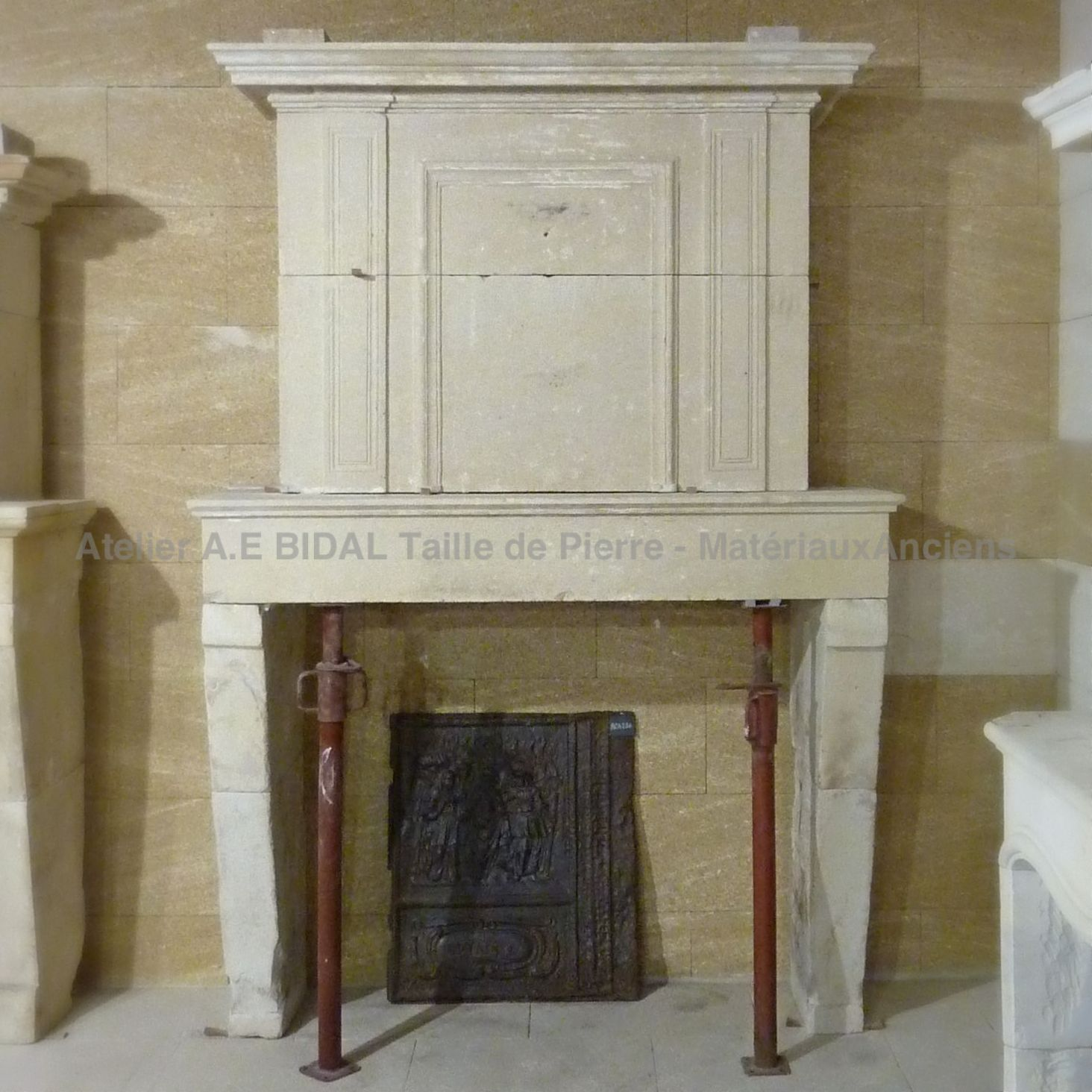 Fireplaces in stone of period and style Louis XVI at Alain Bidal - Provence.