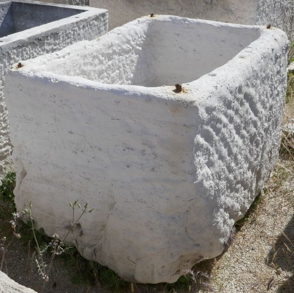 Elegant white stone basin - Authentic antique stone pantry.