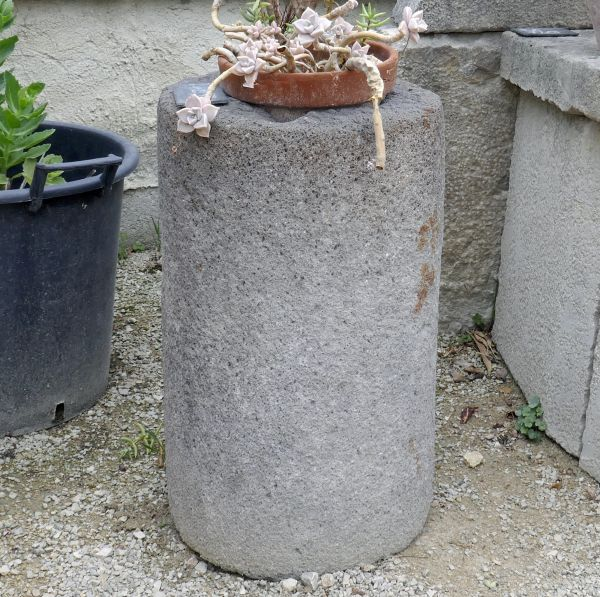 Beautiful stone planter in a pretty gray color - circular trough in stone.