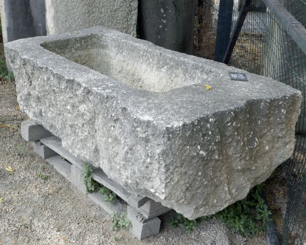 In Avy stone, aged and patinated stone trough | Rectangular trough ideal as sturdy stone planter.