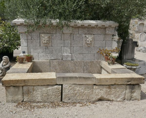 Large fountain in old stones | Garden fountain with rectangular basin and elegant pediment for sale in Provence at the stonemason BIDAL.