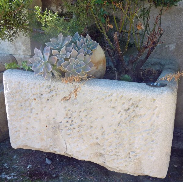 Antique stone trough made of white stone from the Provence area - Rectangular basin.