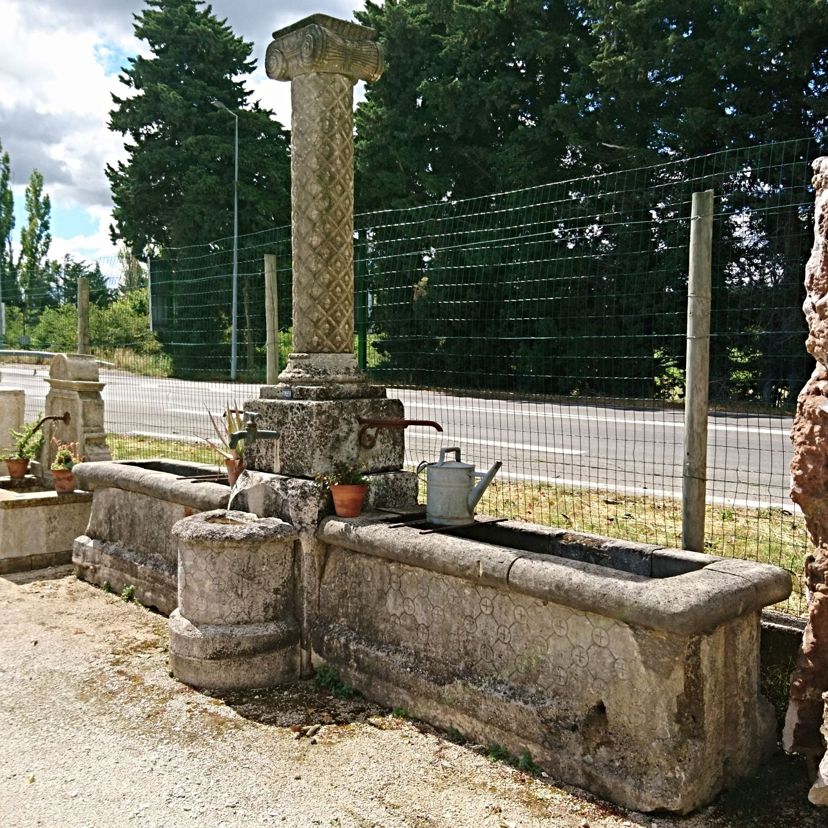 18th century finely hand-carved stone fountain | Fountain in perfect condition for sale in the South of France.
