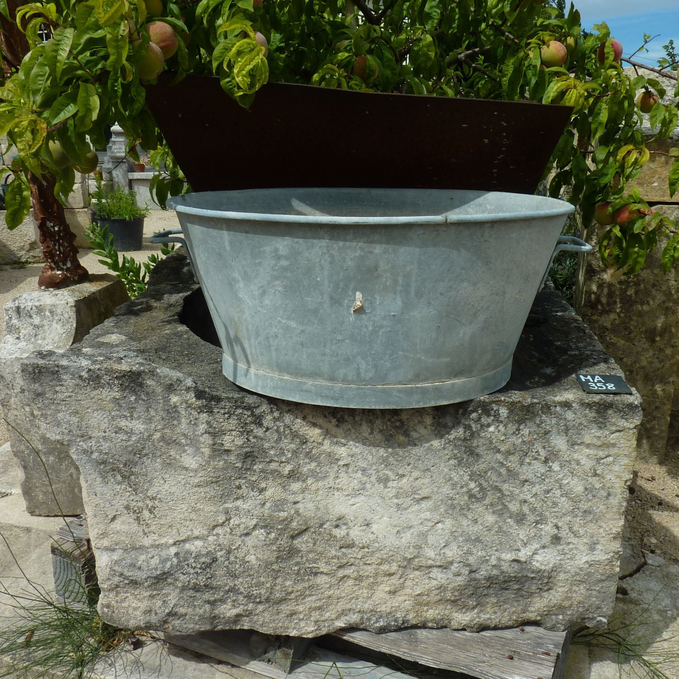 Old well made natural stone and iron scrap - Bidal old materials.