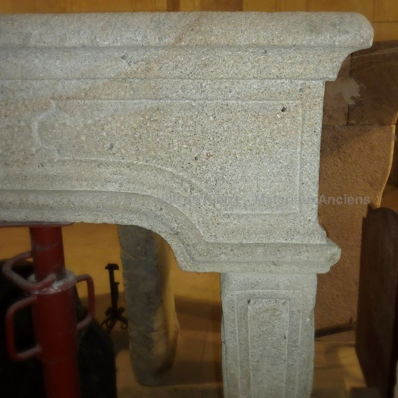 Antique Louis 15 handcrafted fireplace - Beautiful French craftsmanship for this ancient granitic stone mantle.