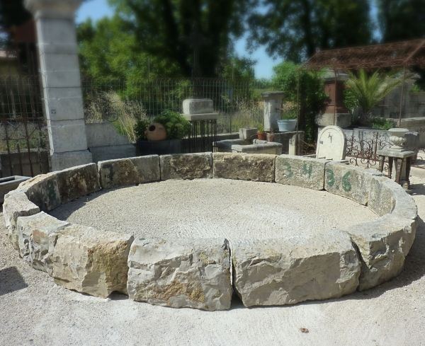 Beautiful antique stone basin | Large hard stone basin to tastefully decorate a garden or a park.