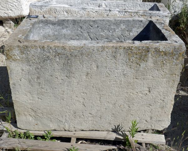 Antique stone trough for a great stone planter - Stone basin with ideal dimensions for a garden planter.