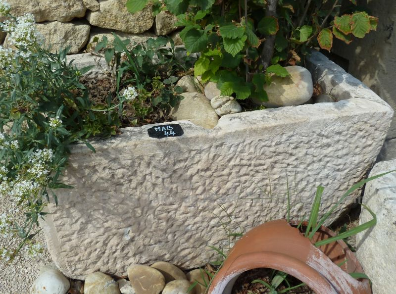 Rectangular trough : beautiful old stone basin to be used as a stone planter, for example.