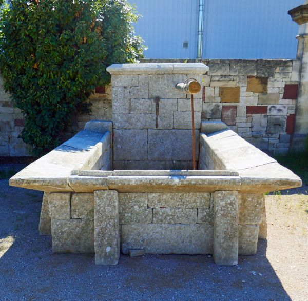 Antique basin in stone by Alain BIDAL Antique Materials in Provence