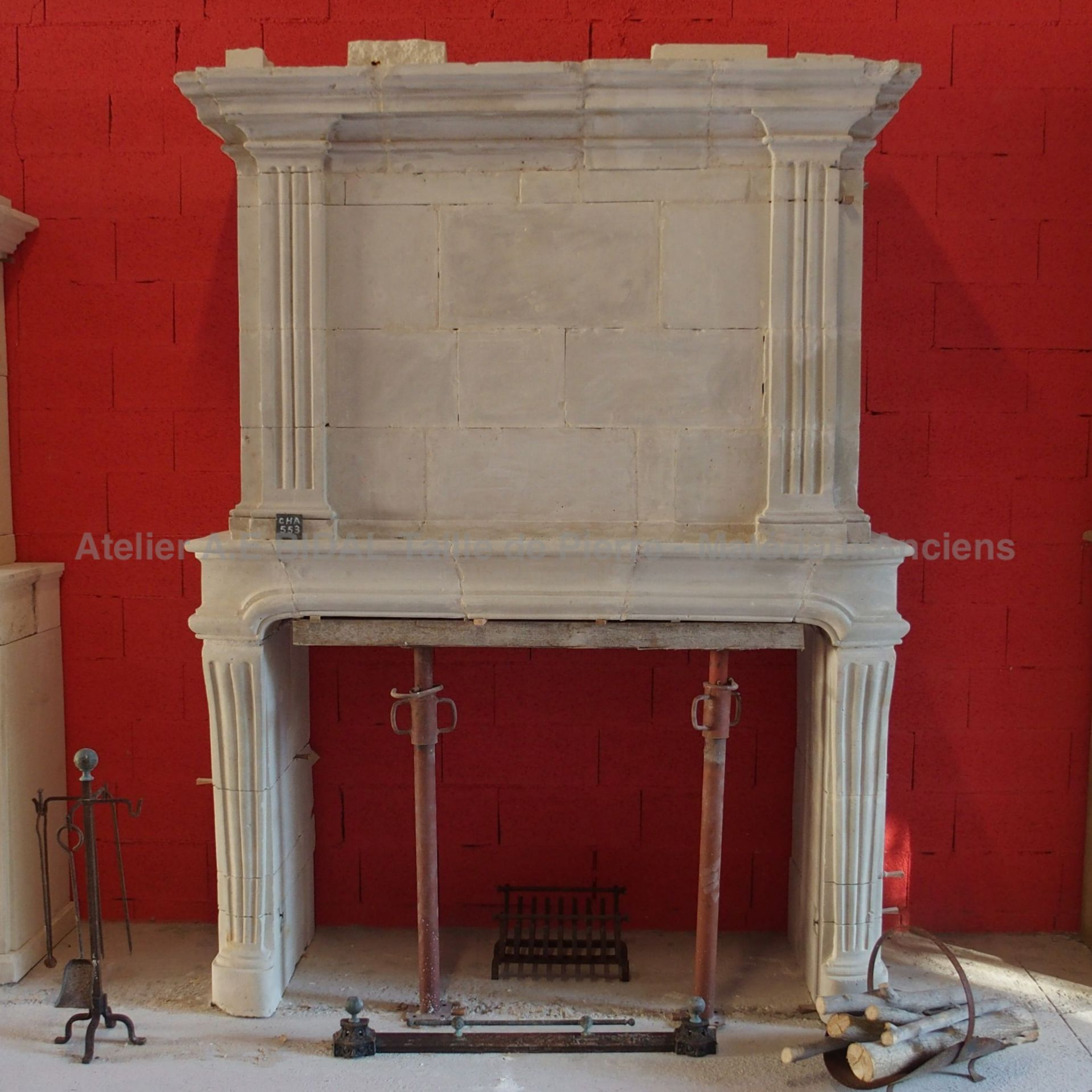 Old fireplace - a restaured Louis XV fireplace.