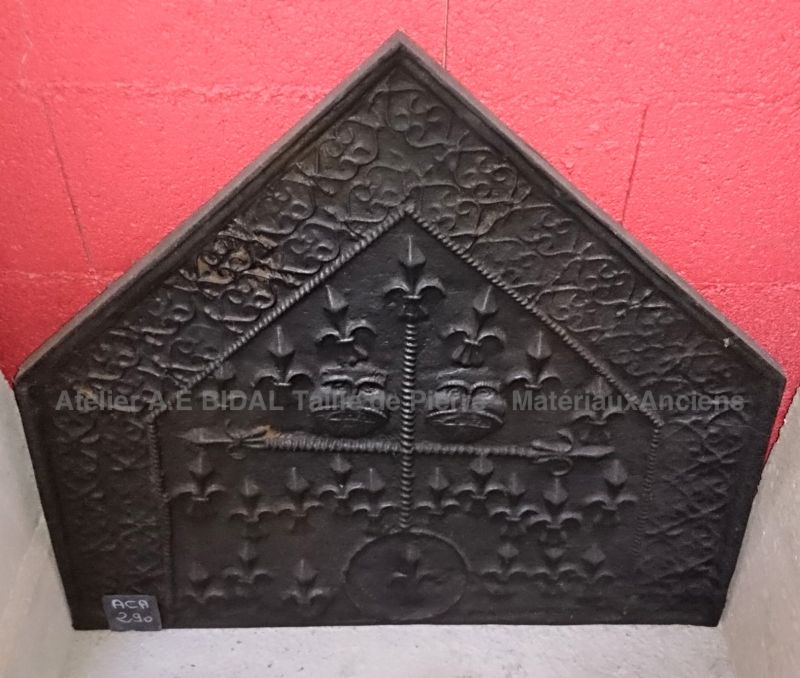 Gothic fireplace accessories ǀ Antique French cast iron fireplace fireback.