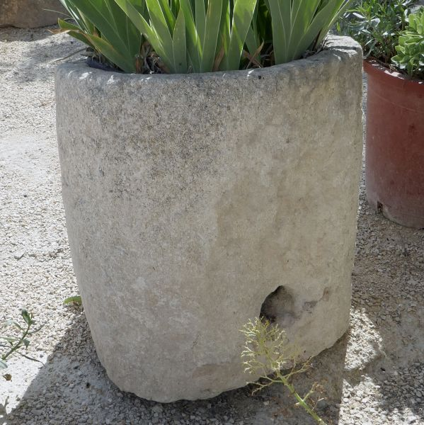 Very nice circular trough - antique trough in stone that could become a superb flower pot.
