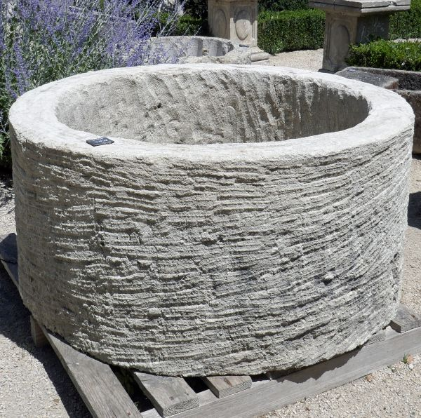Ancient stone trough - Large old trough in stone for a rustic and sturdy planter.