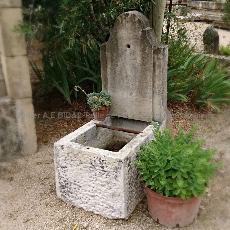 Small decorative fountain in old stones | A fountain of Provence easy to install and cheap.